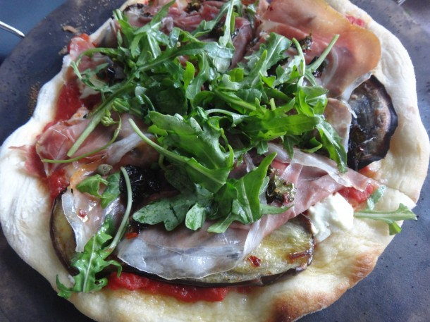 Home-made pizza, pizza dough recipe