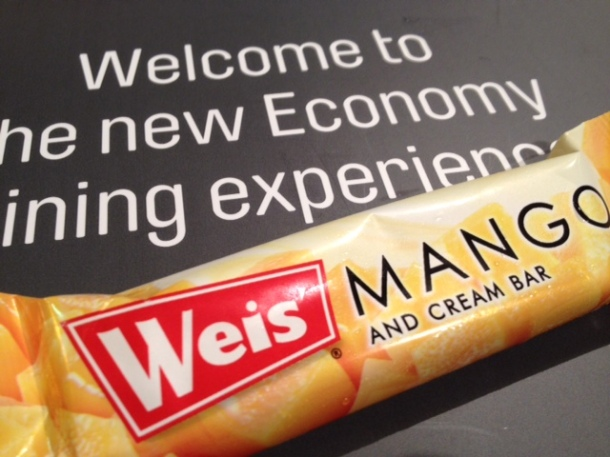 Qantas, new international economy menu