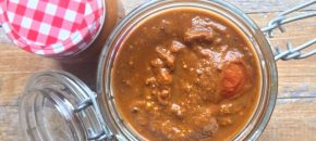 Indian tomato kasundi relish