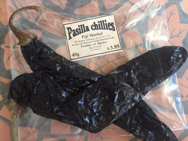 A guide to dried Mexican chillies - pasilla