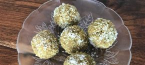 Matcha coconut balls – packed with fibre