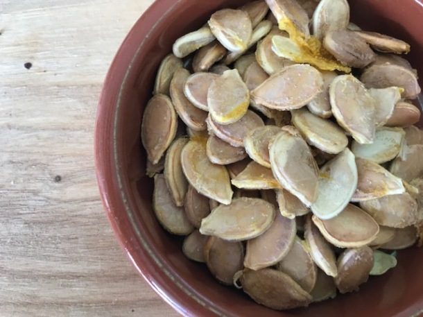 Crispy pumpkin seeds - dehydrated or roasted