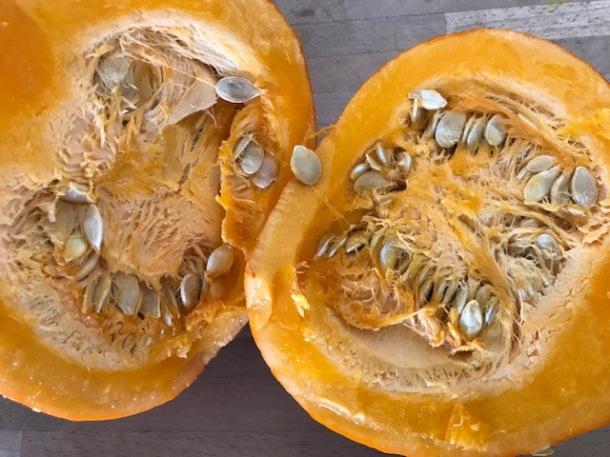 Crispy pumpkin seeds - dehydrated or roasted